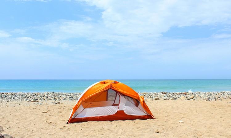 Lo que debes saber para acampar en la playa