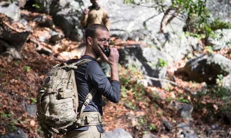 ¿Qué tan útil es llevar radios walkie talkie al campamento?