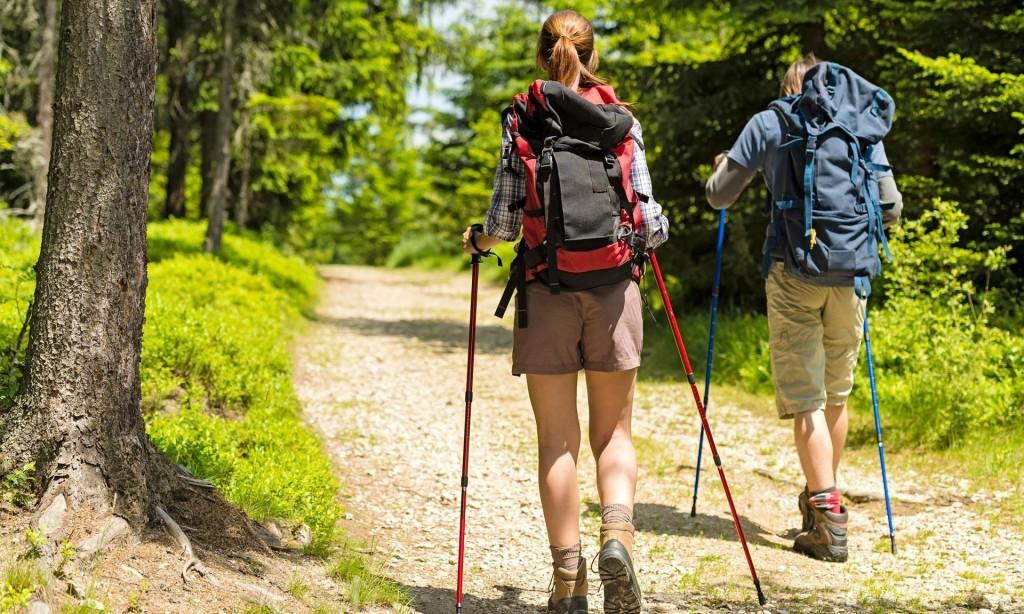 Beneficios de usar bastones para Trekking