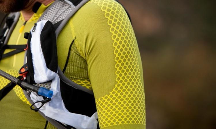 ¿Cómo elegir un sistema de hidratación para correr por la montaña?