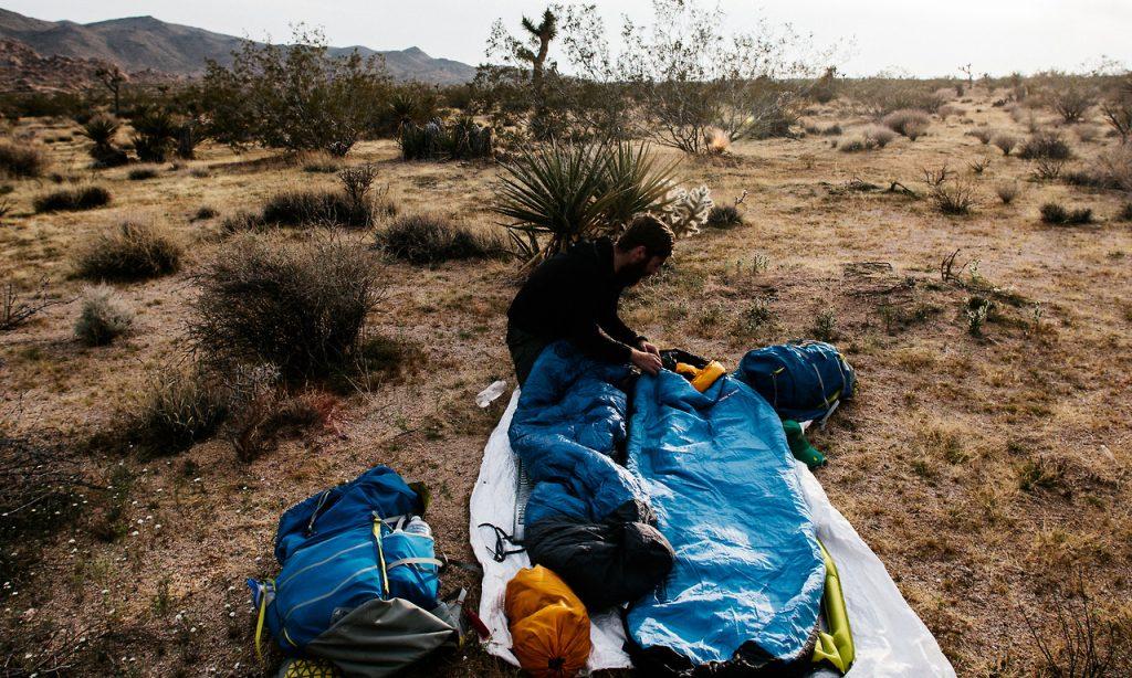 Equipo básico para salir de camping