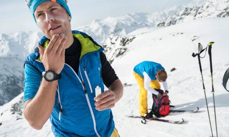 ¿Es recomendable usar bloqueador solar en la montaña?