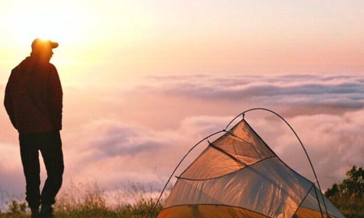 Diez cosas de amamos de acampar